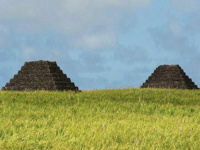 photos/ile-maurice-sept-pyramides.jpg
